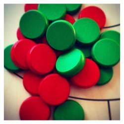 Set de palets Crokinole 12 verts/12 rouges